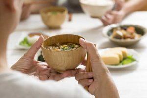 7 Nguyên Tắc Vàng Trong Dinh Dưỡng Giúp Người Nhật Sống Thọ