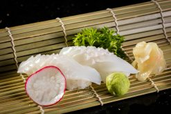Sashimi Mực Ống - Blanched squid sushi