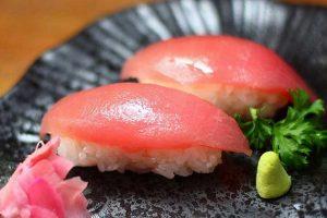 Các Bước Đơn Giản Cho Món Sushi Cá Ngừ Chứ Danh