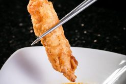 Vi cá hồi tẩm bột chiên - Grilled salmon fn with karaage